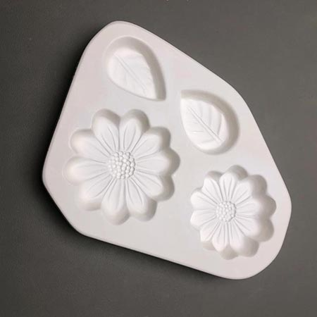 Small Daisies & Leaves Frit Casting Mold - 6.5 x 8 in.