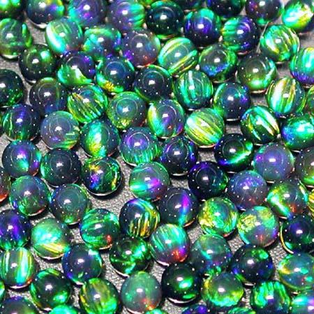 Opals - Spheres - 3 mm - Green